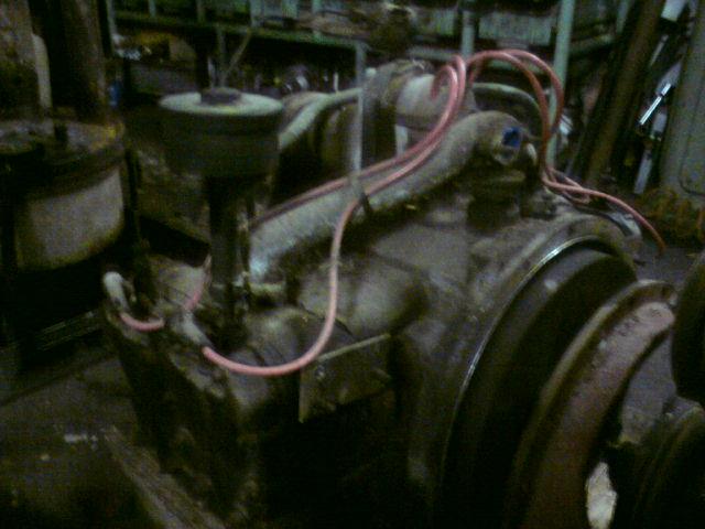 Motor před renovací