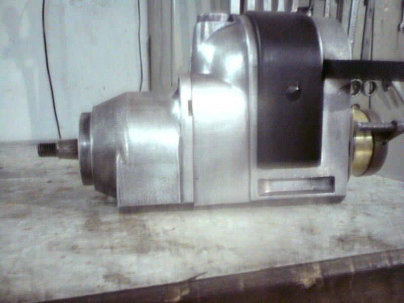 Některé díly motoru po renovaci